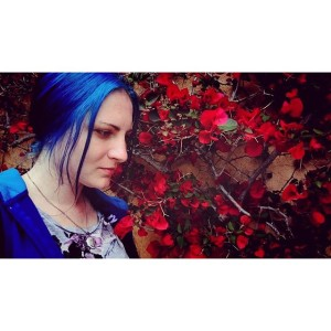 Red bougainvillea 🌹 #bougainvillea #bluehair