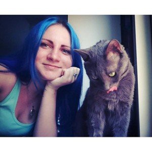 Blue and gray :) #meandmycat #selfiewithcat #saturdayselfie #ilovemycat #blueandgray #blueandgrey